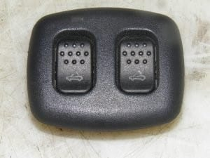 Manual Roof Lock Release Switch – Alfa Romeo 916 Spider 1995-2005
